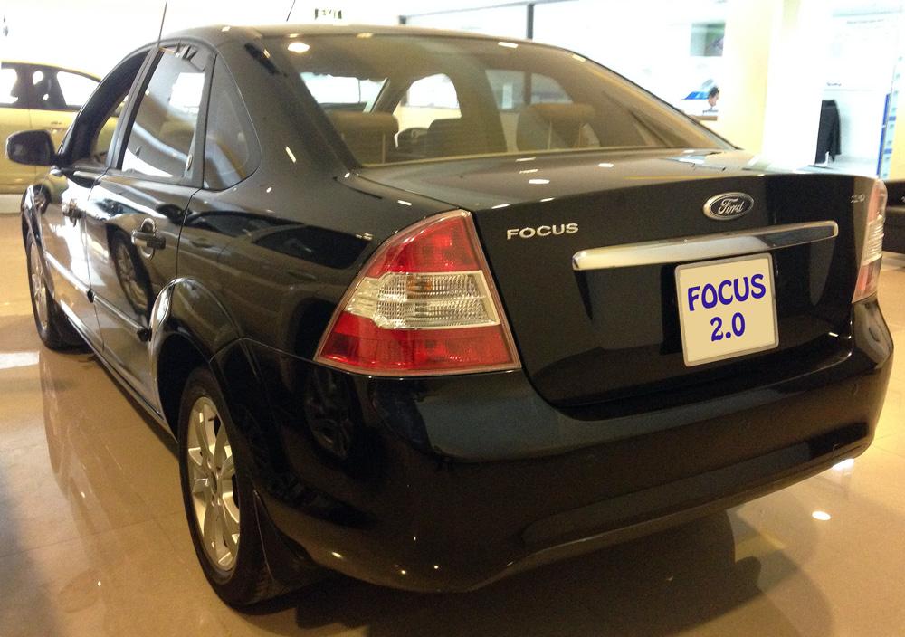 Focus sedan kho xe (5)