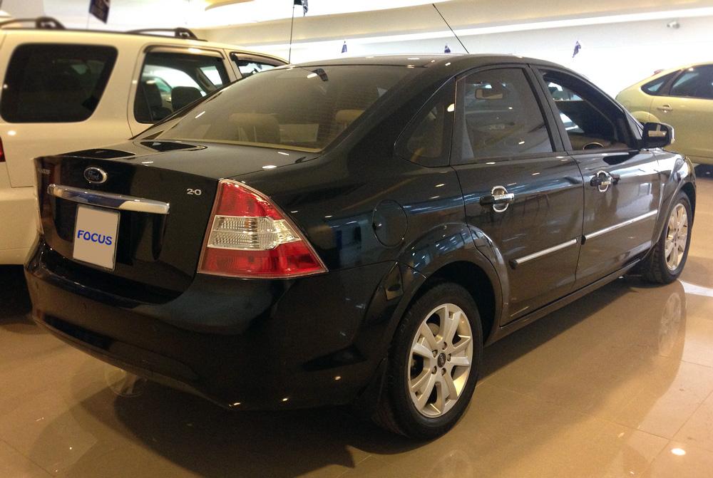 Focus sedan kho xe (7)