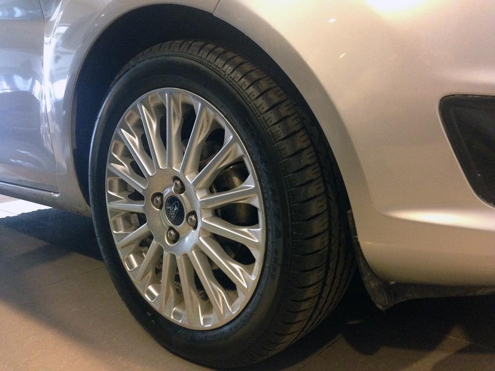 Fiesta titanium bac kho xe (13)