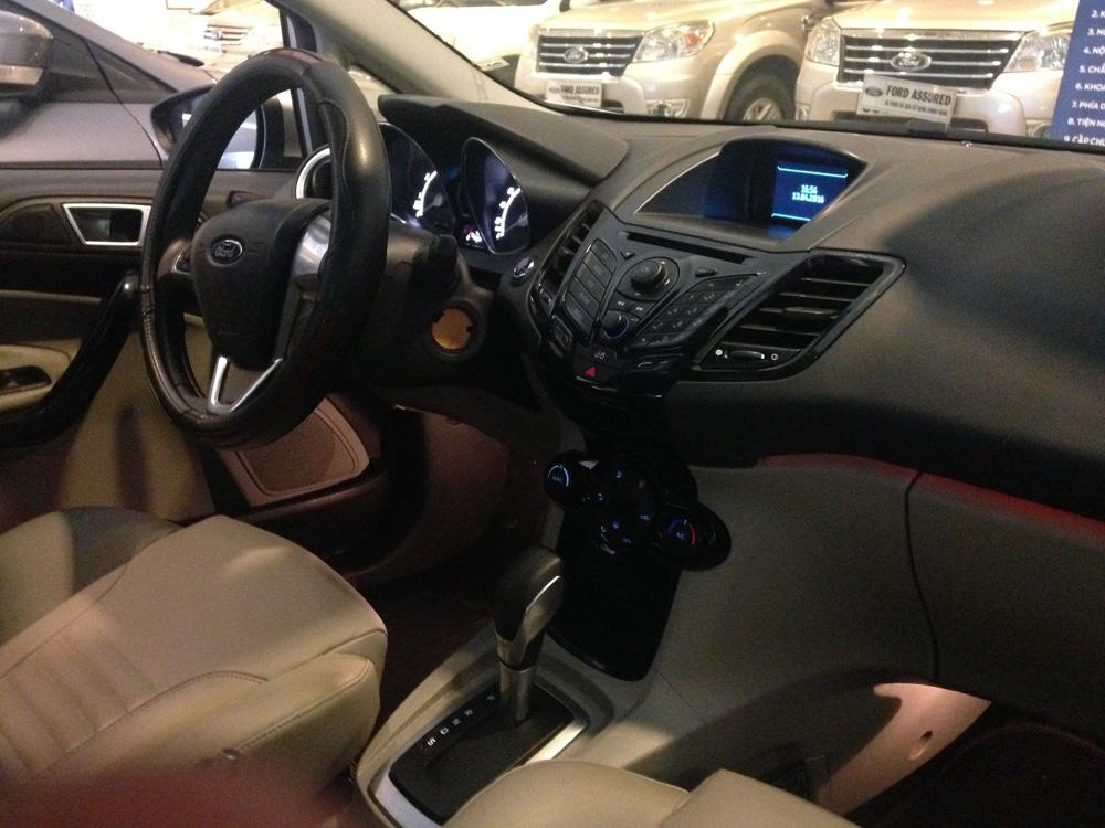 Fiesta titanium bac kho xe (4)