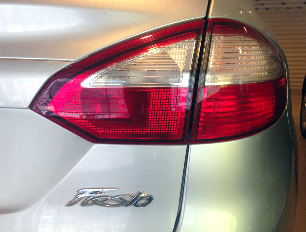 Fiesta titanium bac kho xe (6)