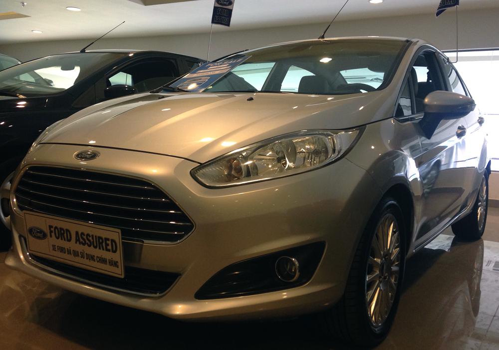 Fiesta titanium bac kho xe (7)