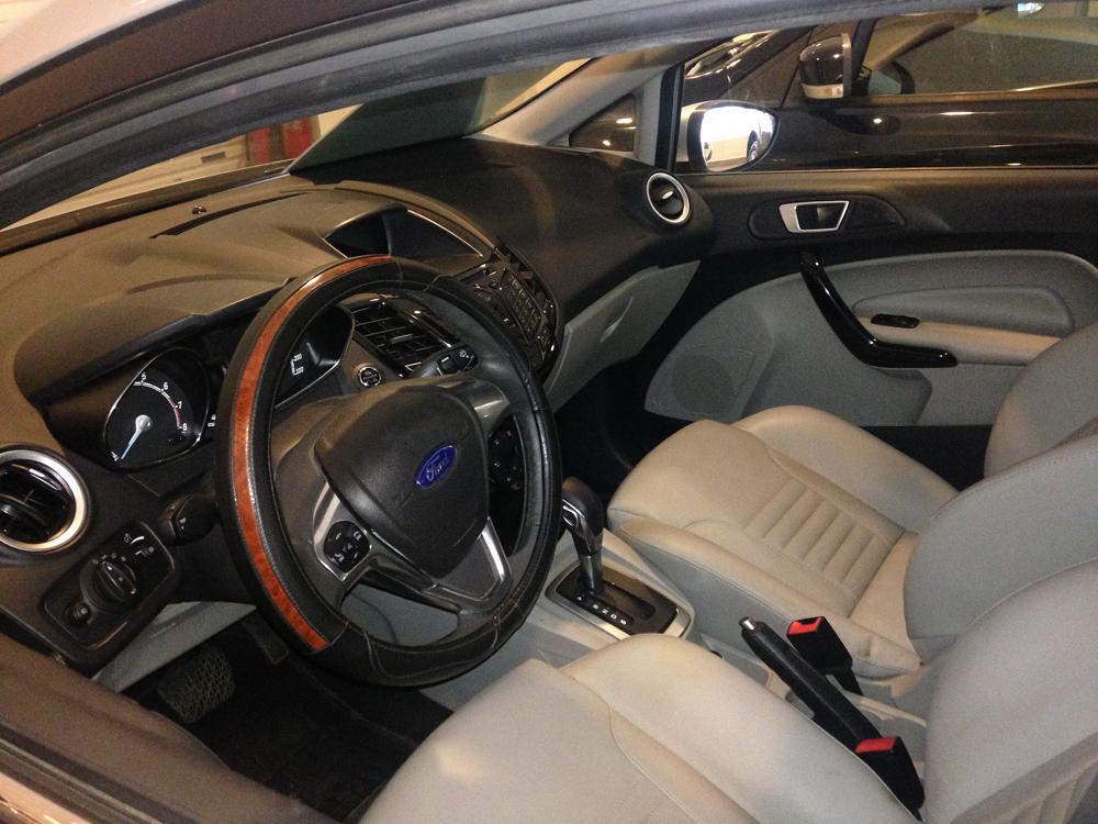 Fiesta titanium bac kho xe (8)