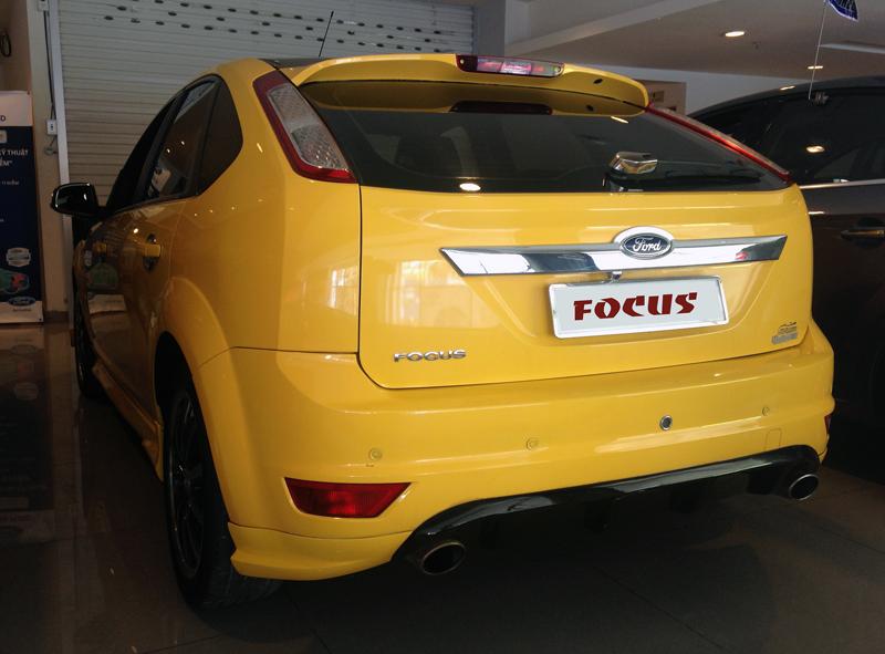 Focus vang kho xe (5)