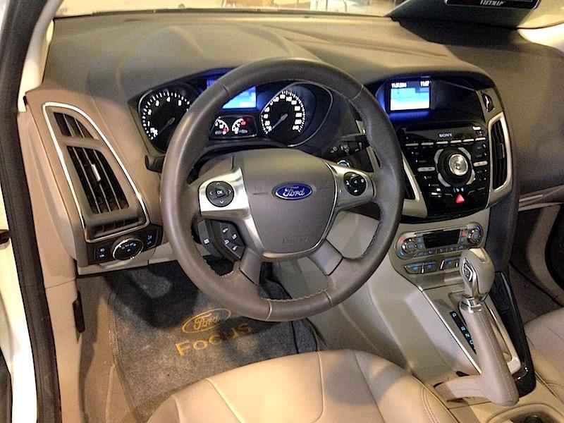 Focus sedan 2014 2.0 51