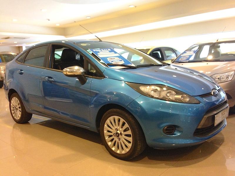 Fiesta 2011 sedan kho xe